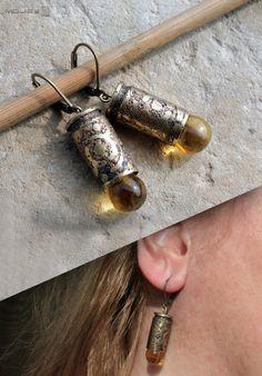 Z miodową kroplą - kolczyki z mosiężnych łusek. Earrings with a drop of honey. Moje MW