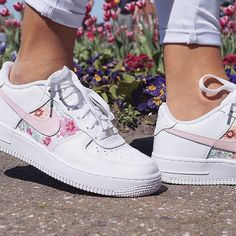 premium selection d9811 07033 Sneakers femme - Nike Air Force 1 Custom by bornoriginals Souliers Nike, Nike  Af1,