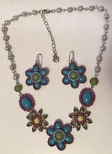 Colorfull set (silver tone earrings with fish hooks and tin cup neckl... Lot 260