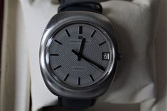 Catawiki, pagina di aste on line Girard-Perregaux - quartz - - Uomo - Girard Perregaux, Smart Watch, Quartz, Clock, Products, Watch, Smartwatch, Clocks, Gadget