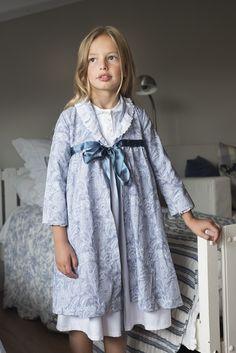 www.teresaleticia.com. Ropa de niños. (Roupão de dormir)