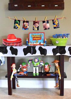 Free Toy Story Party Printables - The Suburban Mom - Toy Story Birthday Party Decorations – Free printables - Toy Story Party, Fête Toy Story, Bolo Toy Story, Toy Story Birthday Cake, Woody Birthday, Toy Story Theme, Toy Story Cakes, 3rd Birthday, Birthday Ideas