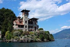 Villa Gaeta - Lake Como Italy  ( Casinó Royale - James Bond - 007 ) Do you know where your next home is going to be? www.lakesideimmobiliare.com     YOUR REAL ESTATE AGENCY AT LAKE COMO
