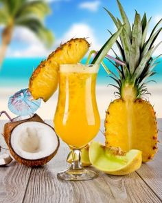 Fun Cocktails, Summer Drinks, Cocktail Recipes, Tropical Smoothie Recipes, Paleo For Beginners, Nutribullet Recipes, Alcohol Recipes, Food Videos, Pineapple