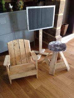 My pallet creations / Créations en bois de palettes #Canvas, #Chair, #Lamp, #Pallets, #Stool