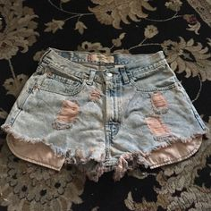 Levi High Waisted Denim Distressed Shorts Add to your closet! -Super cute -Perfect for the hot weather that's coming!  -Looks great with any style -Comfortable And Unique MAKE ME AN OFFER THROUGH OFFER BUTTON Levi's Shorts Jean Shorts