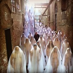 Being a Naked Ghost at a Spencer Tunick Photo Shoot