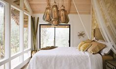 Treehouse Hawaii Airbnb Off-Grid bedroom