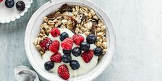 Packed with oats, pecans, seeds, dates and puffed wheat and berries, this delicious breakfast muesli will help you to start your day the right way. Nutritious Breakfast, Healthy Breakfast Recipes, Healthy Recipes, Healthy Breakfasts, Quick And Easy Breakfast, Perfect Breakfast, Breakfast Ideas, Breakfast Dishes, Healthy Desayunos