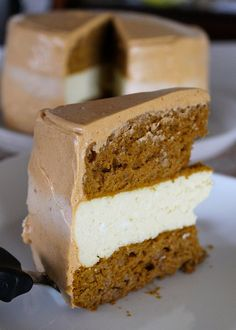 Pumpkin spice cheesecake-cake