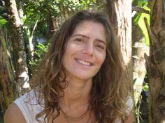 Monica do Rosario Oliveira saiu de sua residencia em Ilha Grande,RJ com destino a Angra dos Reis no intuito de ir ao Rio de Janeiro no dia 02 de Abril de 2015,desde então a família não tem mais noticias. Fone: 24 33615527