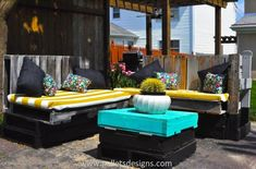 These DIY pallet furniture projects are not only cheaper and inexpensive but also durable in nature. Reusing the old shipping pallet to make a stunning bed frame, a delightful lounge seating furniture and pallet letterbox will for sure keeps you busy and healthy.