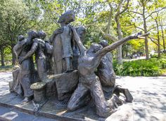 The Immigrants Location: South of Castle Clinton Sculptor: Luis Sanguino Cast: 1973 Dedicated: May 4, 1983 Battery Park, Manhattan, NYC (08/24/2016)