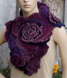 Crochet Scarf Capelet Woman winter fashion Neck Warmer por Degra2