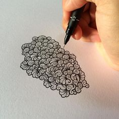 What I love the moment I draw at this hour is the sunlight . It's beautifully inspiring and makes me so excited to start a new work. by visothkakvei Dibujos Zentangle Art, Zentangle Drawings, Doodles Zentangles, Doodle Drawings, Doodle Art, Doodle Patterns, Zentangle Patterns, Inspiration Artistique, Doodle Inspiration