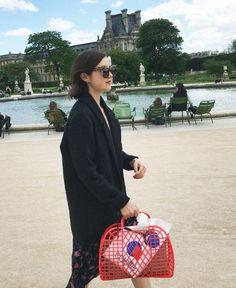 The £5 Handbag Creating a Buzz in Fashion Circles via @WhoWhatWearUK