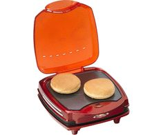 Con Hamburger Maker Party Time di Ariete panini pronti in 5 minuti. Si avvale di due piastre: una superiore per scaldare i panini e una inferiore per cuocere gli hamburger.