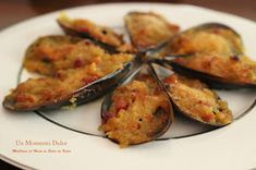 Un momento dulce: MEJILLONES AL HORNO EN SALSA VIEIRA Seafood Recipes, Cooking Recipes, Healthy Recipes, Salty Foods, Tapas Bar, Tasty, Yummy Food, Canapes, Sin Gluten