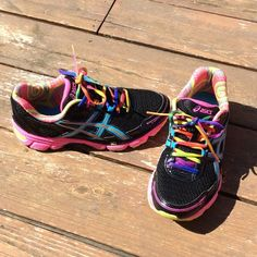 ASICS GEL ENHANCE ULTRA 2.0 RAINBOW SZ 8 SUPER COLORFUL AND FUN ASICS RUNNING SHOES IN A SIZE 8! Too small for me and I wore them twice before realizing I needed an 8.5! Light tread wear but otherwise in perfect condition! GEL ENHANCE ULTRA 2.0. These feel like pillows on your feet!!!  asics Shoes Athletic Shoes