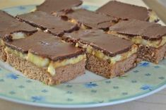 Bananenschnitte Austrian Recipes, German Recipes, New Year's Cake, Vegan Cake, Dory, Cake Recipes, Goodies, Food And Drink, Sweets
