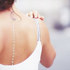 The blogger As wild child with our Essentiels set  #sioou #gold #temporary #tattoo