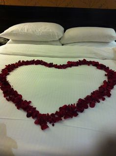 Full of bed sexy roses room and
