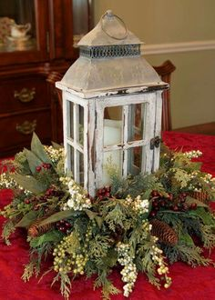 44 Unique Easiest Diy Centerpiece Christmas Table Decorating Ideas - Page 3 of 44 - Abantiades Decor Christmas Table Centerpieces, Decoration Christmas, Noel Christmas, Decoration Table, Xmas Decorations, Simple Christmas, Beautiful Christmas, Christmas Wreaths, Centerpiece Ideas