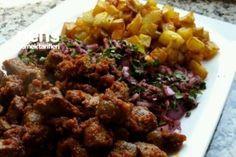 Arnavut Ciğeri (Püf Noktaları İle)....♥ Deniz ♥ Turkish Recipes, Ethnic Recipes, Fish And Chicken, Homemade Beauty Products, C'est Bon, Creative Food, Fried Rice, My Recipes, Pasta