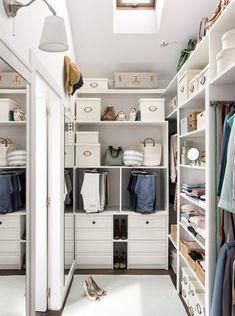 Ideas para organizar un lavadero Master Closet Design, Walk In Closet Design, Master Bedroom Closet, Bedroom Wardrobe, Wardrobe Design, Closet Designs, Small Dressing Rooms, Dressing Room Design, Dressing Area