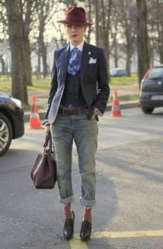 Tailored Look With Boyfriend Jeans And Patterned Socks In Today's Style Hunter Estilo Dandy, Estilo Tomboy, Dandy Look, Dandy Style, Mens Fashion Week, Winter Fashion, Womens Fashion, Fashion Trends, Fashion Tips