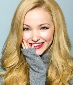Dove Cameron // old photoshoot pic ♡