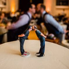 You know you're in San Francisco when .... you're a same sex wedding at city hall and the cake topper is a 3d printed clone of the couple!