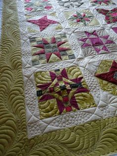 circles - quilted by Margaret Solomon Gunn