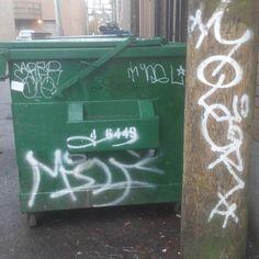 #graffiti #graff #graffitiart #northvan #dumpster #green #white #pole #wood #black #alley