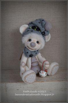 Billy, petit ours de collection en laine feutrée, bonnet gris à poids : Autres art par les-vendredis-de-nath