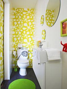 Papel pintado en el baño de abajo