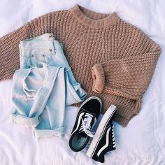 teenager outfits for school cute \ teenager outfits . teenager outfits for school . teenager outfits for school cute Casual School Outfits, Teenage Girl Outfits, Cute Comfy Outfits, Cute Casual Outfits, Teenager Outfits, Winter Fashion Outfits, Retro Outfits, Simple Outfits, Outfits For Teens