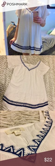 Tunic dress Flowy white dress with gorgeous blue embroidery. Worn twice, no signs of wear. This item is semi-sheer so ya gotta wear something underneath unless you're wild. **please note: I live in semi rural Alaska so shipping might take a couple days longer than they would otherwise. Also, the nearest post office is a half hour drive away, so I only will be able to ship things once or twice a week. Thx for understanding! 💖💖 Umgee Dresses Mini