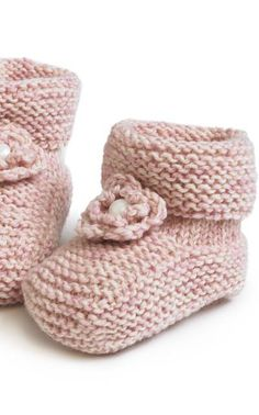Vauvan tossut Have to translate this to english Baby Hats Knitting, Baby Knitting Patterns, Knitting Socks, Crochet Patterns, Crochet For Kids, Crochet Baby, Knit Crochet, Knitted Booties, Boy Blankets