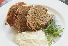 "Kräuter-Hackbraten mit ""grüner"" Sauce Curry, Meatloaf, Food, Ground Meat, Greek Yogurt, Easy Meals, Kochen, Food Food, Curries"