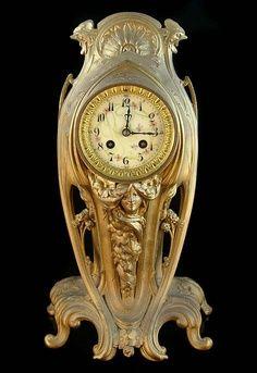 Art Nouveau bronze clock, with lady's face peeping out Mantel Clocks, Old Clocks, Vintage Clocks, Clock Antique, Bronze Art, Jugendstil Design, Art Nouveau Furniture, Classic Clocks, Unique Clocks