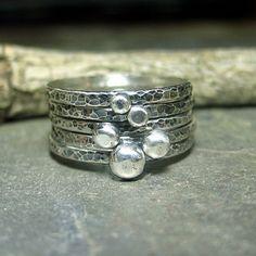 Rustikale Stapeln Ringe Kiesel Ringe Ball Ringe gehämmert Sterling silber stapelbar Ring Set - Pebble Road Stack of Five