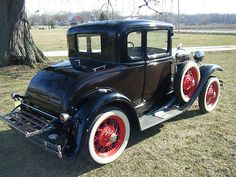 Ford : Model A Deluxe 1931 Ford Model A 5 Window C - http://www.legendaryfinds.com/ford-model-a-deluxe-1931-ford-model-a-5-window-c/