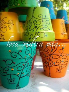 Macetas Decoradas A Mano - House Decorators Collection Clay Flower Pots, Flower Pot Crafts, Clay Pot Crafts, Clay Pots, Painted Plant Pots, Painted Flower Pots, Decorated Flower Pots, Pot Jardin, Terracotta Pots