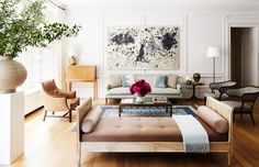 Neutral living room with daybed