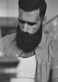 Growing a full beard is not a challenge now for most men. Here are 6 Quick Ways to Grow a Fuller Beard now. Latest Beard Styles, Beard Styles For Men, Hair And Beard Styles, Great Beards, Awesome Beards, Moustaches, Growing A Full Beard, Thick Beard, Big Beard
