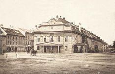Mestské (Csákyho) divadlo, postavené 1776. V roku 1793 zo strany Komenského námestia pristavali za javisko divadla novú tanečnú sálu, tzv. Redutu. Zbúrané 1884. Za divadlom Berendyho dom - majiteľ Johann Berendy v ňom prevádzkoval vaňové a parné kúpele a aj elektrický a magnetický kúpeľ. Dom kvôli problémom so statikou v roku 1901 zbúrali. Zdroj: Bratislavské rožky Bratislava, Louvre, Street View, Building, Travel, Viajes, Buildings, Destinations, Traveling