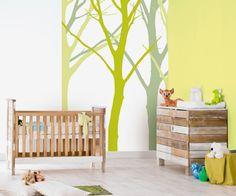 Met dit behang creëer je in een handomdraai een avonturenbos in de kinderkamer.