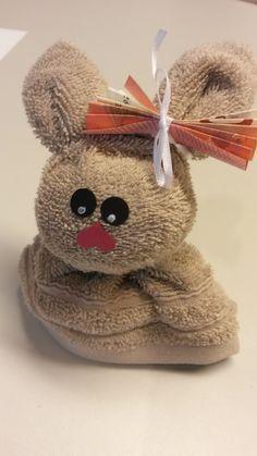Guten Morgen Ihr Lieben! Ostern steht vor der Tür....und ich weiß ja nicht, wie Ihr das handhabt, aber zu Ostern gibt es bei uns nur ... Nail Designs, Teddy Bear, Easter, Toys, Spring, Creative, Crafts, Animals, Craft Ideas