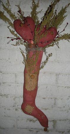 primitive valentine hearts & stocking lamp door hanger from Megans Primitive Cupboard pattern $7.99